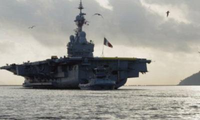 """ျပင္သစ္ ႏိုင္ငံ ေရတပ္ မွ """"Charles De Gaulle"""" ႏ်ဴကလီးယား ေလယာဥ္တင္ သေဘၤာအား ျမင္ေတြ႔ရစဥ္ (ဓာတ္ပံု- French Navy )"""