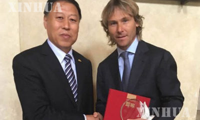 တရုတ် ဘောလုံး အဖွဲ့ချုပ် သံတမန်အဖြစ် ခန့်အပ်ခံရသော ပေဗယ် နက်ဗက် (ဆင်ဟွာ)