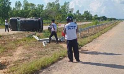 အမြန်လမ်း၌ အောက်တိုဘာလ အတွင်း ဖြစ်ပွားခဲ့သော ယာဉ်မတော်တဆမှု တစ်ခုအား တွေ့ရစဉ်(ဓာတ်ပုံ - အမြန်လမ်းမကြီးရဲတပ်ဖွဲ့မှူးရုံး)