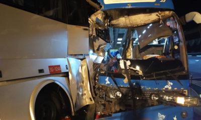 အမြန်လမ်းမကြီးတွင်ဖြစ်ပွားခဲ့သည့် ယာဉ်မတော်တဆမှုတစ်ခုအားတွေ့ရစဉ် (ဓာတ်ပုံ-- အမြန်လမ်းမကြီးရဲတပ်ဖွဲ့မှူးရုံး)