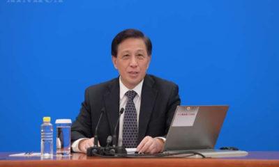 တရုတ်နိုင်ငံ မြို့တော် ပေကျင်းတွင် ဗီဒီယိုလင့်ခ်မှတစ်ဆင့် ပြုလုပ်သည့် သတင်းစာရှင်းလင်းပွဲတက်ရောက်နေသော ၁၃ ကြိမ်မြောက် အမျိုးသားပြည်သူ့ကွန်ဂရက်၏ တတိယမြောက်အစည်းအဝေး ပြောခွင့်ရပုဂ္ဂိုလ် ကျန်းရဲဆွေ့အား တွေ့ရစဉ် (ဆင်ဟွာ)