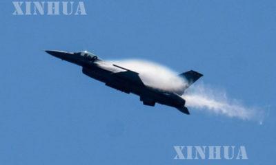 အမေရိကန် နိုင်ငံ ကယ်ရီဖိုးနီးယားပြည်နယ် Orange ခရိုင်၌ ပျံသန်းနေသော F-16 တိုက်လေယာဉ် တစ်စင်းအား ၂၀၁၇ ခုနှစ် စက်တင်ဘာလက တွေ့ရစဉ်(ဆင်ဟွာ)