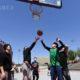 တရုတ်နိုင်ငံ ပေကျင်းမြို့တွင် ဘတ်စကတ်ဘောကစားနေသူများအား တွေ့ရစဉ် (ဆင်ဟွာ)
