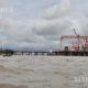 ရန်ကုန်-ဒလ မြစ်ကူးတံတားစီမံကိန်း တည်ဆောက်နေမှုအားတွေ့ရစဉ် (ဆင်ဟွာ)