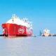 သီလဝါဆိပ်ကမ်းသို့ ဆိုက်ကပ်လာသော LNG သိုလှောင်ရေးသင်္ဘောကြီးအား တွေ့ရစဉ် (ဓာတ်ပုံ − MOI)