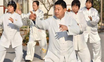တရုတ်နိုင်ငံ မြောက်ပိုင်း ဟဲပေပြည်နယ် Handan မြို့၊ Yongnian ခရိုင်ရှိ ရိုးရာကိုယ်ခံပညာရပ်သင်ကျောင်းတစ်ခုတွင် ထိုက်ချိချွမ်ကိုယ်ခံပညာကို စိတ်ပါဝင်စားစွာ လေ့ကျင့်နေသူများကို ဒီဇင်ဘာ ၁၆ ရက်က တွေ့ရစဉ် (ဆင်ဟွာ)