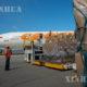 တရုတ်နိုင်ငံမှ ထောက်ပံ့သည့် ဆေးဘက်ဆိုင်ရာအကူအညီပစ္စည်းများ ဗင်နီဇွဲလားနိုင်ငံ Simon Bolivar အပြည်ပြည်ဆိုင်ရာလေဆိပ်သို့ ဒီဇင်ဘာ ၂၂ ရက်က ရောက်ရှိလာစဉ်(ဆင်ဟွာ)