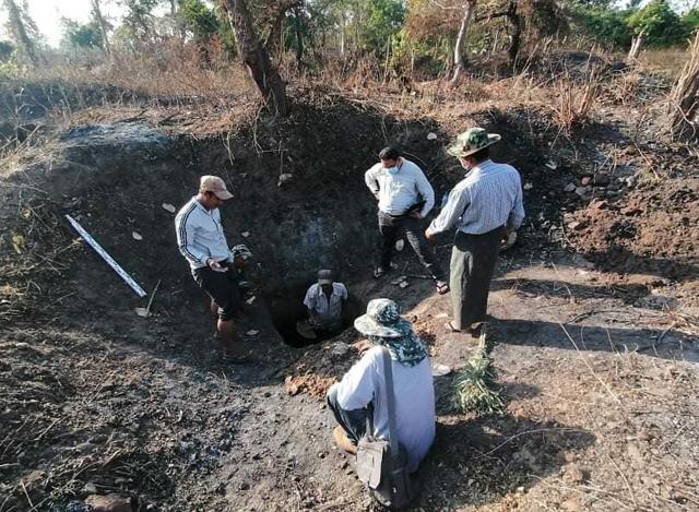 နန်းတော်ရာမြေလွှာစမ်းသပ်မှုအားဆောင်ရွက်စဉ် (ဓာတ်ပုံ-- သရေခေတ္တရာ ဌာနစု ကမ္ဘာ့အမွေအနှစ်ဒေသများဌာနခွဲ)