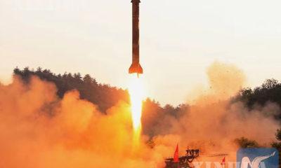 မြောက်ကိုရီးယားနိုင်ငံက ဒုံးကျည်စမ်းသပ်ပစ်လွှတ်နေသည်ကို ၂၀၁၇ ခုနှစ် မေ ၃၀ ရက်က တွေ့ရစဉ် (ဆင်ဟွာ)