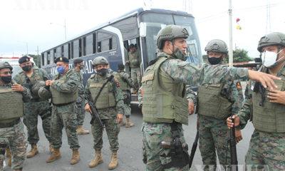 အီကွေဒေါနိုင်ငံ Guayaquilတွင် အဓိကရုဏ်းဖြစ်ပွားသည့် အကျဉ်းထောင်သို့ ရဲတပ်ဖွဲ့ဝင်များ ရောက်ရှိလာသည်ကို ဖေဖော်ဝါရီ ၂၃ ရက်က တွေ့ရစဉ်(ဆင်ဟွာ)
