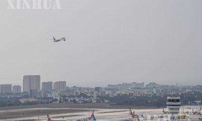 ရုတ်နိုင်ငံတောင်ပိုင်း ဟိုင်နန်ပြည်နယ် Sanya မြို့ရှိ Sanya Phoenix အပြည်ပြည်ဆိုင်ရာလေဆိပ်၌ လေယာဉ်တစ်စင်း ပျံတက်နေစဉ် (ဆင်ဟွာ)