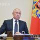 ရုရှားနိုင်ငံသမ္မတဗလာတီမာပူတင်အားတွေ့ရစဉ်(ဆင်ဟွာ)