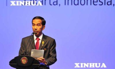 အင္ဒိုနီးရွား ႏိုင္ငံ သမၼတ ဂ်ိဳကို ဝီဒိုဒိုမွ Asian-African Summit ပိတ္ပြဲတြင္ မိန္႕ခြန္း ေျပာၾကားေနစဥ္ (Xinhua)